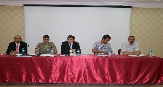 Tutak'ta okul ve çevre güvenliği toplantısı yapıldı