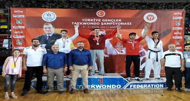 Sorgun Belediyesi sporcuları Samsun'dan madalyayla döndü