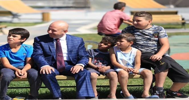 """Kocasinan Belediye Başkanı Çolakbayrakdar: """"Yeni nesil parkımız örnek teşkil ediyor"""""""