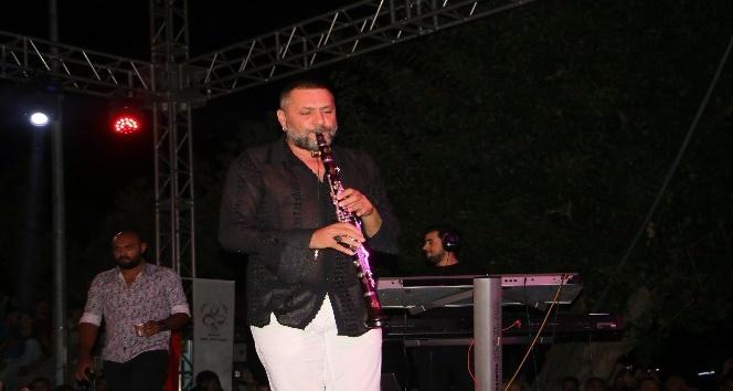 Hüsnü Şenlendirici Kınık Hasat Festivali'nde