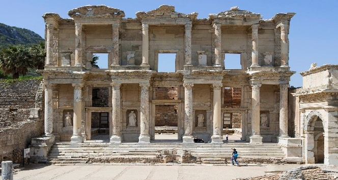 "İzmir'e ""mega müze"" çağrısı"
