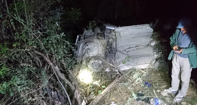 Erzincan'da virajı alamayan otomobil şarampole devrildi: 4 ölü, 2 yaralı