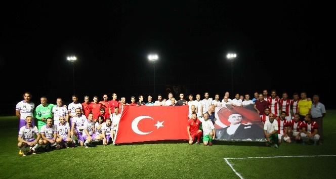 Bayraklı'da dernekler turnuvada buluştu