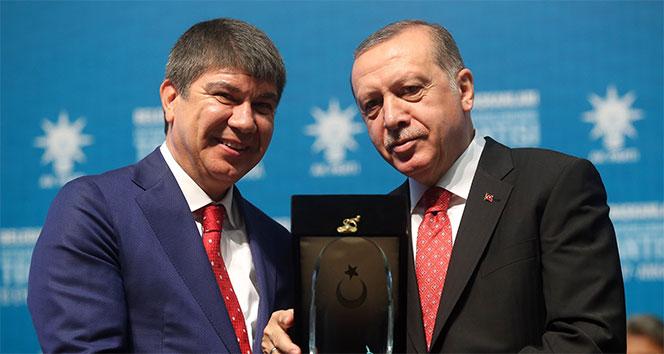 Cumhurbaşkanı Erdoğan'dan Türel'e ödül