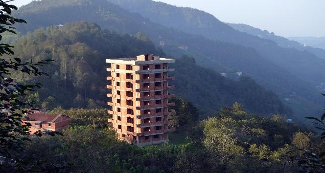 Trabzon'da sosyal medyada gündem olan 9 katlı binada gerçek ortaya çıktı