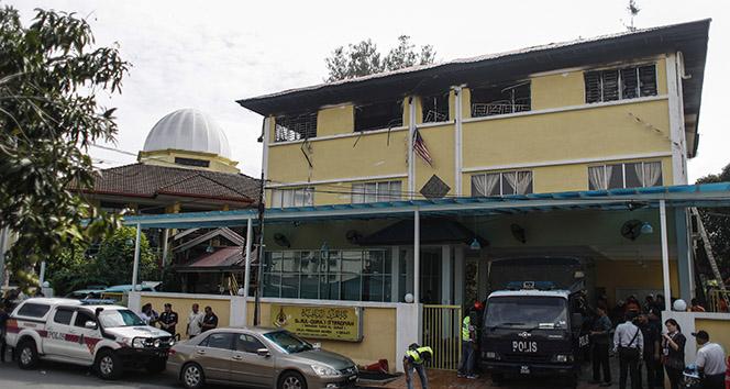Kuala Lumpur'da yatılı okulda yangın: 25 ölü