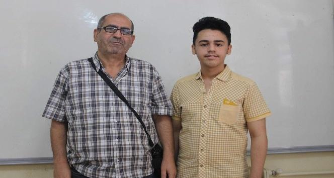 (Özel haber) Suriyeli mülteci 4 yılda 4 dil öğrendi