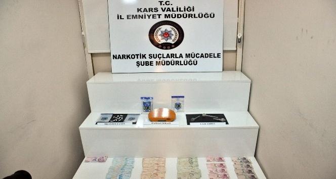Kars polisinden uyuşturucu tacirlerine darbe