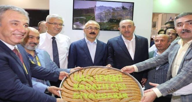 Diyarbakır yöresel ürünleri Antalya'da sergileniyor