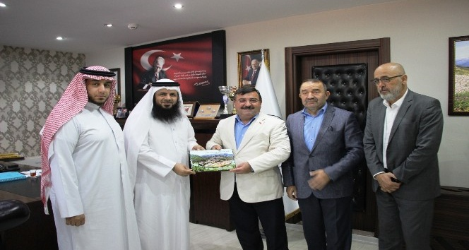 Katarlılar Artvin'e turizm yatırımı için geldi