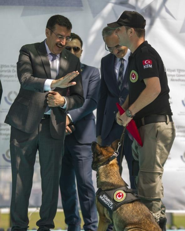Gümrük ve Ticaret Bakanlığı Köpek Eğitim Merkezi açıldı