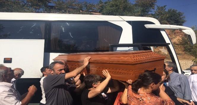 Aysel Tuğluk'un annesinin cenazesi Tunceli'ye getirildi