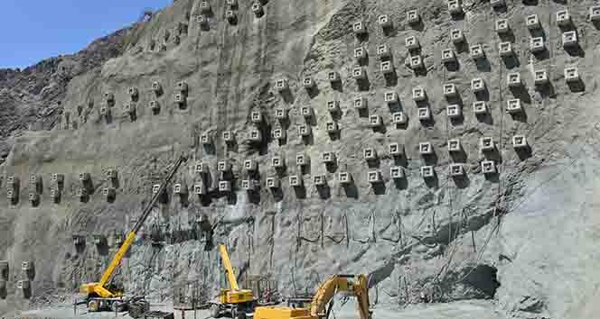 Türkiyenin en yüksek barajında 4 milyon metreküp beton kullanılacak