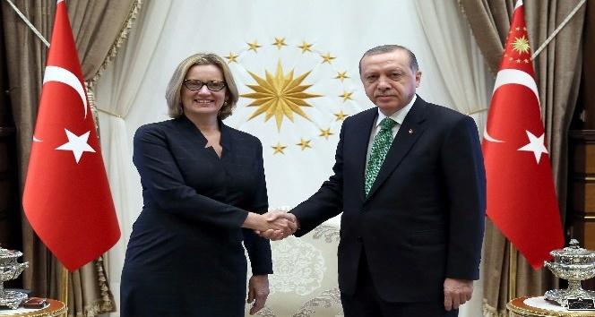 Cumhurbaşkanı Erdoğan, İngiltere İçişleri Bakanı Rudd'u kabul etti
