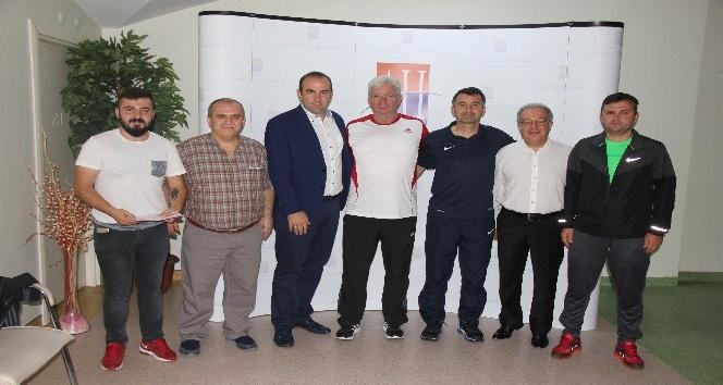 Yeni Teknik Direktör İsmail Ertekin ve ekibi, sağlık kontrolünden geçti