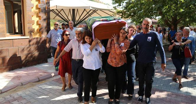 HDPli Tuğlukun annesinin cenazesi Tuncelide toprağa verildi