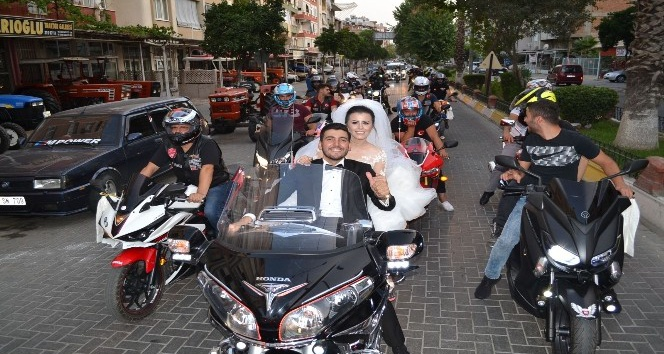 Nazilli'de motosikletli düğün konvoyu