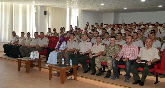 Jandarma'dan 'Uyuşturucu ve Zararları' konulu seminer