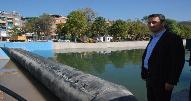 Gondolların yüzeceği Yeşilırmak'ta su tutulmaya başladı