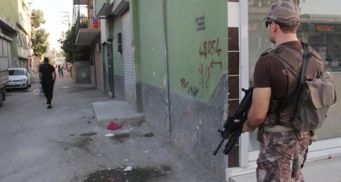Silah sesleri uygulama yapan polisi alarma geçirdi