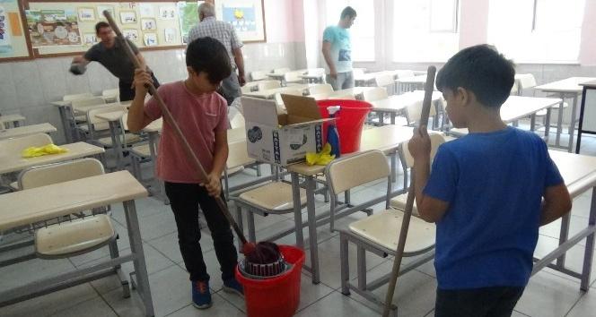 Veli, öğretmen ve öğrencilerden temizlik seferberliği