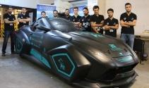 Üniversite öğrencileri elektrikli yerli otomobil üretti