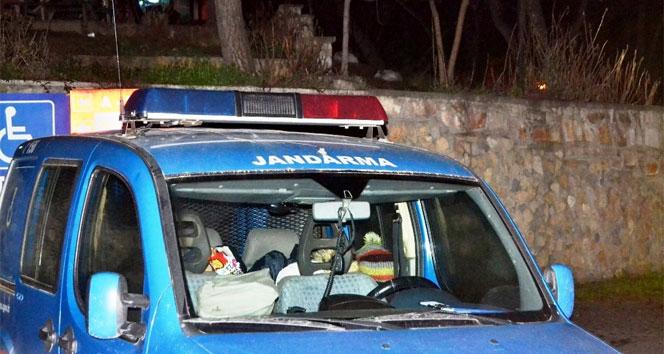 Ayvalıkta 14 göçmen ve 5 organizatör yakalandı