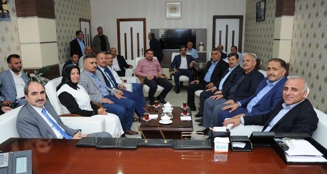 Vali Zorluoğlu'ndan AK Parti'ye ziyaret