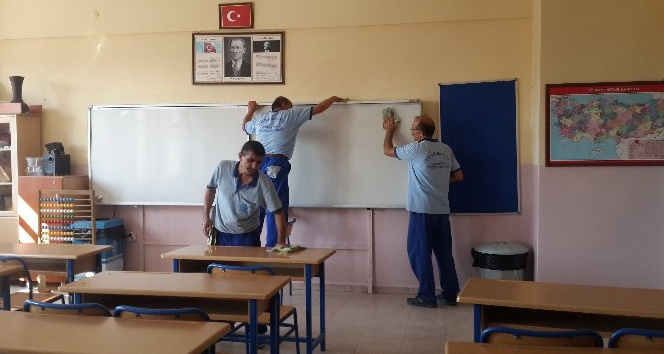 Bağcılar, depreme karşı yenilenen okullarıyla yeni eğitim yılına hazır