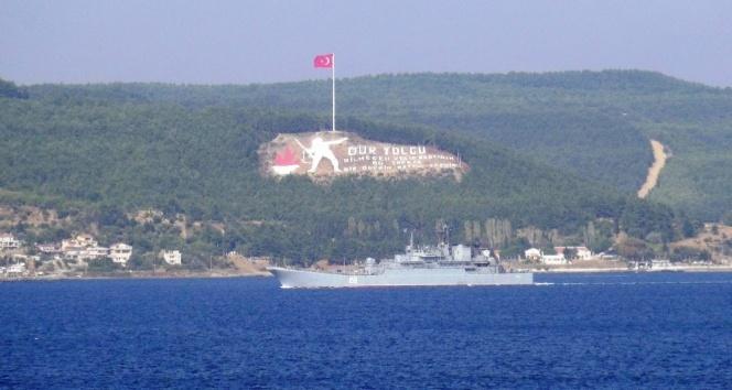 Rus savaş gemisi Çanakkale Boğazından geçti!