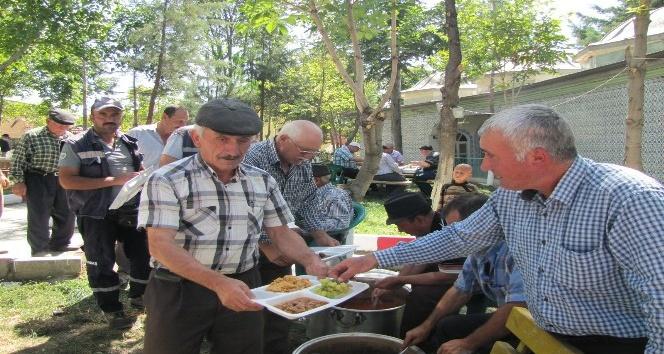 Şeyhler köyünde hayır yemeği