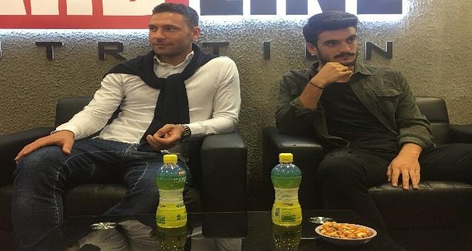 Tosic ve Fatih, Spor ve Aktif Yaşam Fuarı'nı ziyaret etti