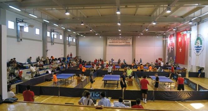 Kurtuluş günü anısına masa tenisi turnuvası