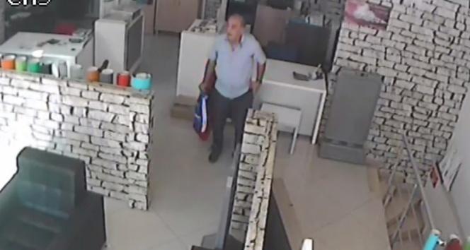 Aracıyla geldiği iş yerinden telefon çalan yaşlı adam kayıplara karıştı
