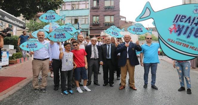 Vatandaşlar Fatih'te balığa doydu