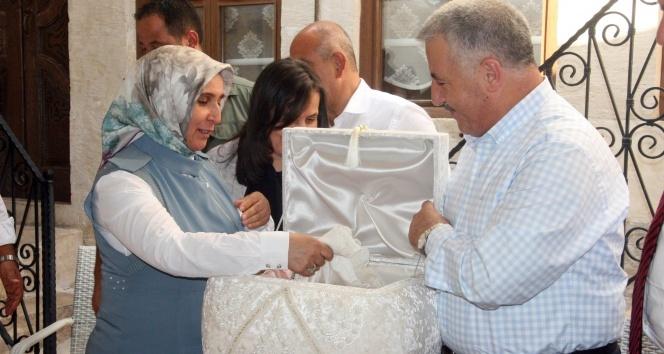 Bakan Arslan Kilise müjdeleri verdi