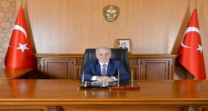 Vali Kamçı'dan 2017-2018 Eğitim-Öğretim Yılı Mesajı