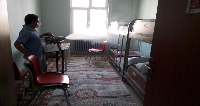 İpekyolu Belediyesi'nden okul temizliği