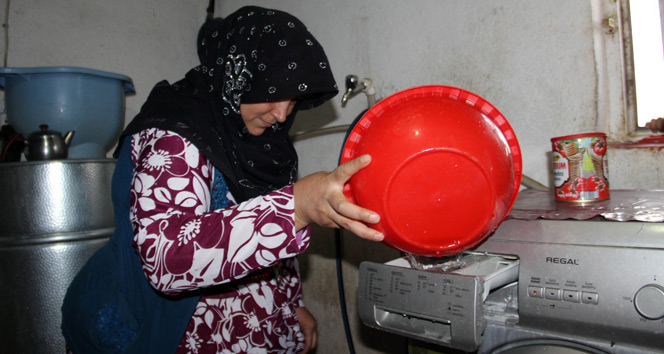 Çamaşır makinelerini taşıma suyla çalıştırıyorlar