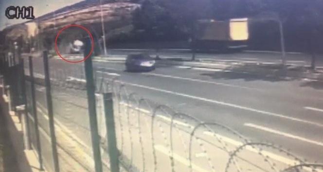 Tuzla'da kontrolden çıkan araç takla attı