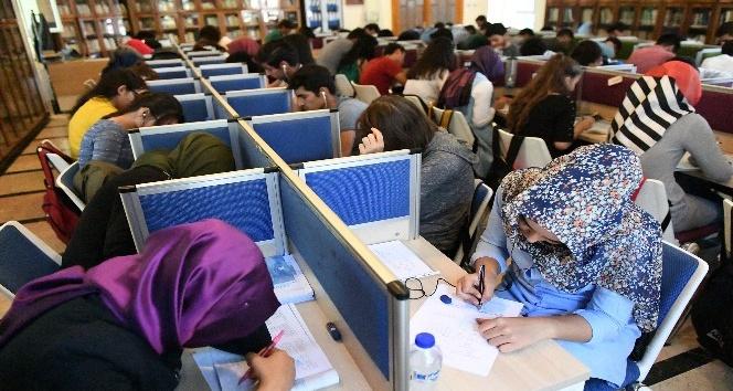 Büyükşehir belediyesinin kütüphanelerine yoğun ilgi