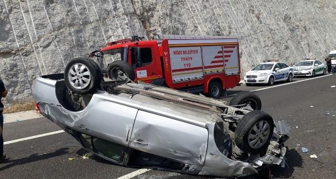 Kontrolden çıkan otomobil takla attı: 1 ölü, 2 yaralı