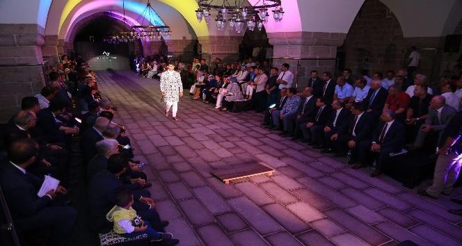 'Tarihin Işığında Moda 2. Arslantepe Defilesi' gerçekleştirildi