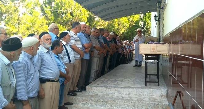 İstanbul'da eşi tarafından öldürülen kadın ile kardeşi toprağa verildi