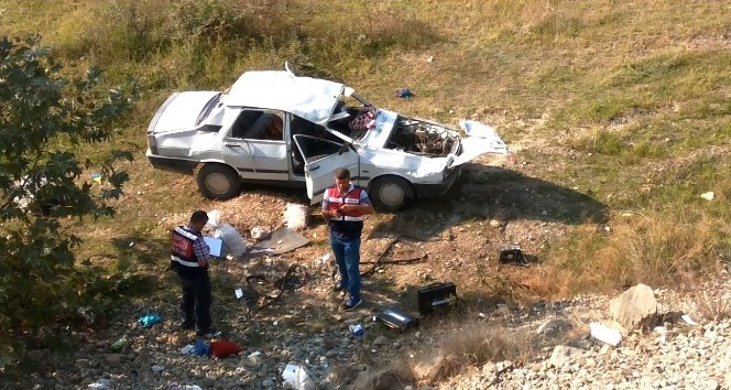 Samsunda otomobil şarampole yuvarlandı: 1 ölü, 5 yaralı