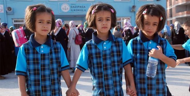 Üçüzlerin okul heyecanı