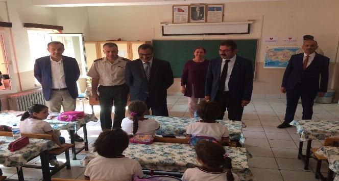 Giresun'da 74 bin öğrenci ve 5 bin 623 öğretmen için ders zili çaldı