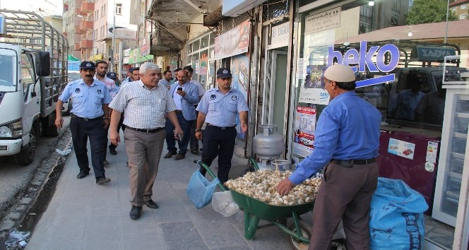 Bitlis'te kaldırım işgali