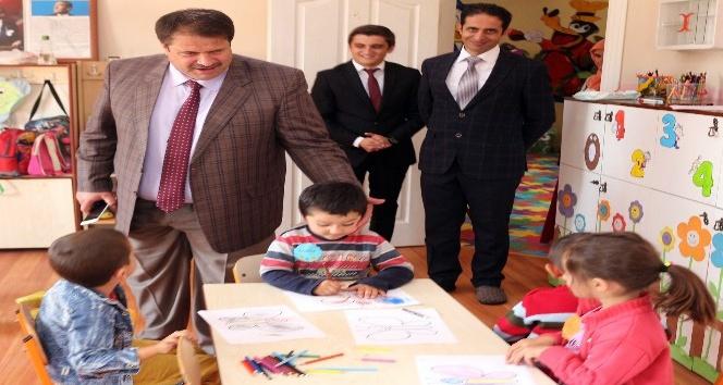 Ağrı Milli Eğitim Müdürü Turan yeni eğitim öğretim yılında okulları denetledi