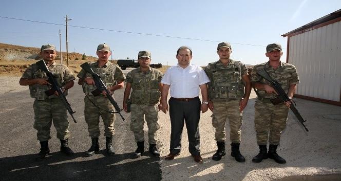 Vali Ali Hamza Pehlivan, Jandarma kontrol noktasını ziyaret etti